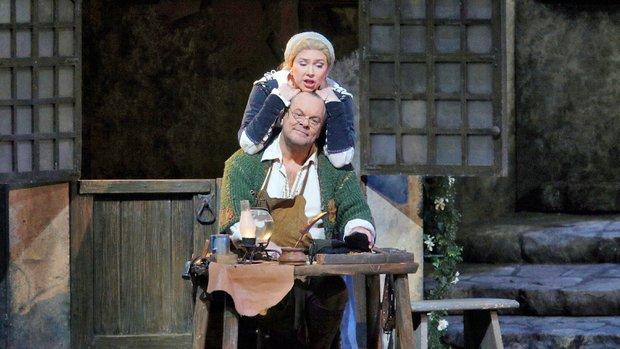 Annette Dasch (Eva) i Michael Volle (Sachs) al MEtropolitan Opera House Photo/Metropolitan Opera, Ken Howard)