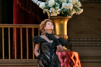 Renée Fleming Hanna Glawary a The Merry Widow Photo: Ken Howard/The Metropolitan Opera