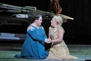 Jamie Barton (Adalgisa) i Sondra Radvanovsky (Norma) a San Franncisco setembre de 2014