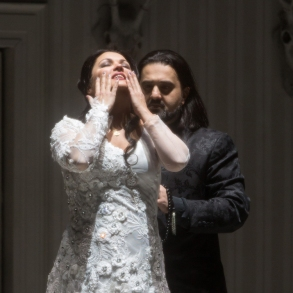 Anna Netrebko and Elchin Azizov in Iolanta (photo Marty Sohl/Metropolitan Opera)