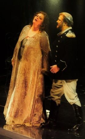 Violeta Urmana (Isolde) i Torsten Kerl (Tristan) a Nàpols