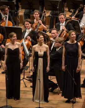Mirella Hagen (Woglinde), Stefanie Iranyi (Wellgunde), Eva Vogel( Floßhilde) a Das Rheinhgold a Munich