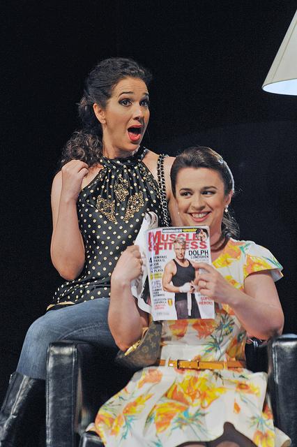 Juliane Banse i Maite Beaumont a Così fan tutte Liceu, maig 2015 Fotografia Antoni Bofill-Premsa Liceu
