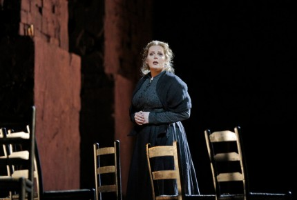 Eva Maria Westbroek (Santuzza) MET 2015 Photo: Ken Howard/Metropolitan