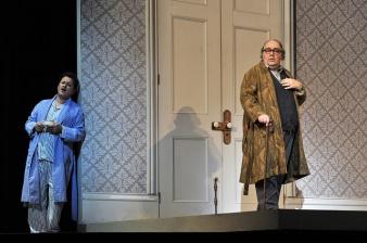 Antonino Siragusa (Ernesto) i Robero de Candia (Don Pasquale) Producció de Laurent Pelly. Liceu 2015 Fotografia ® A Bofill