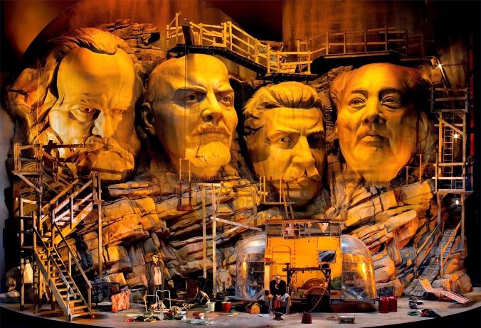 Siegfried, Bayreuther Festspiele. Producció Franz castorf Fotografia BAYREUTH FESTIVAL/ENRICO NAWRATH