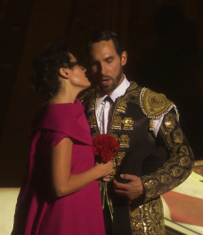 Kyle Ketelsen (Escamillo) i Kate Aldrich (Carmen) a Orange 2015