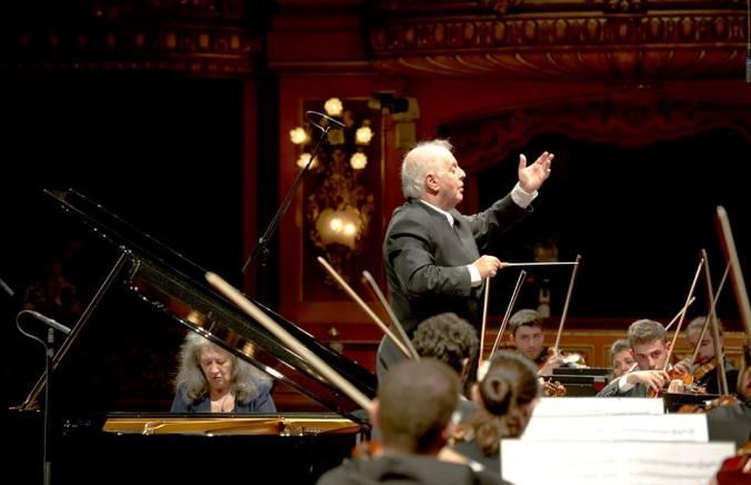 Marta Argerich, Daniel Barenboim i la WEDO al Teatro Colón 29/07/2015 Foto Arnaldo Colombaroli