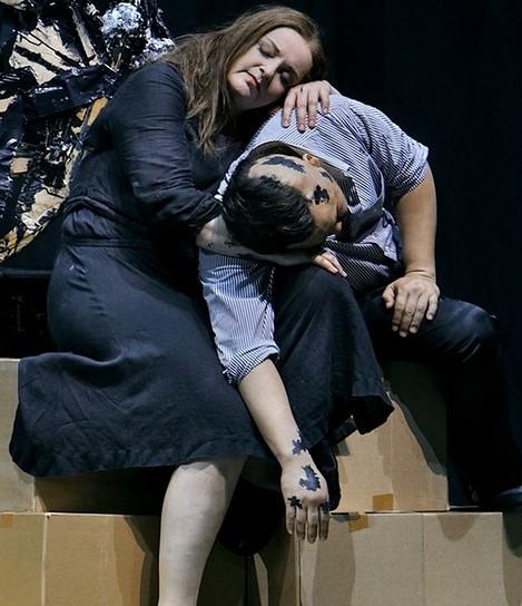 Ricarda Merbeth (Senta) and Samuel Youn (Holländer) © Bayreuther Festspiele | Enrico Nawrath