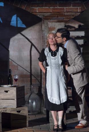 LE NOZZE DI FIGARO 2015 • MARTINA JANKOVÁ (SUSANNA), LUCA PISARONI (IL CONTE ALMAVIVA © Salzburger Festspiele / Ruth Walz