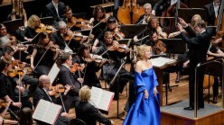 Renee Fleming - The Melbourne Symphony Orchestra, dirigida per  Sir Andrew Davis.  Photo: Supplied