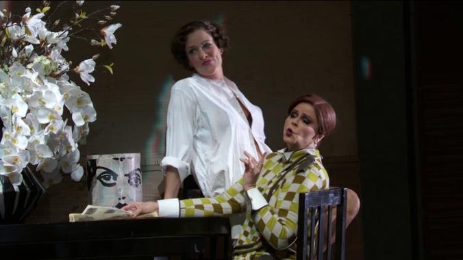 Malis Petersen (Lulu) i Susan Graham (Geschwitz)