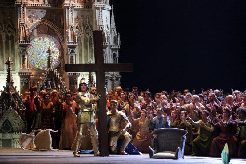 Netrebko i Meli a l'acte 20n de Giovanna d'Arco a la Scala de Milà. Fotografia Brescia & Amisano-Teatro alla Scala