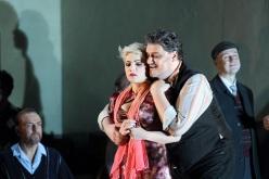 Gianastasio (Nedda) i Antonenko (Canio) a Pagliacci, producció de Damiano Michieletto. Fotografia © 2015 ROH. Photograph by Catherine Ashmore