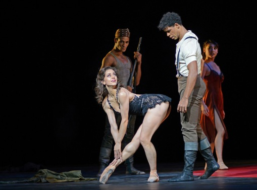 Marianela Nunez and Carlos Acosta (Carmen). © Dave Morgan