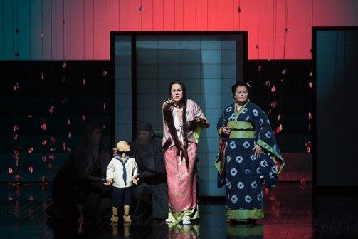 Madama Butterfly al MET, Kristine Opolais i Maria Zifchak fotografia Marty Sohl/Metropolitan Opera