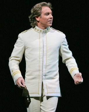 Roberto Alagna (Pinkerton) Fotografia Marty Sohl/Metropolitan Opera