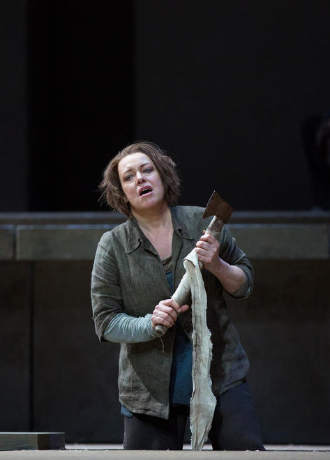 Nina Stemme Elektra Fotografia Marty Sohl © 2016 The Metropolitan Opera