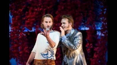 Björn Bürger (Figaro) i Taylor Stayton (Almaviva) Glyndebourne 2016 Fotografia BILL COOPER