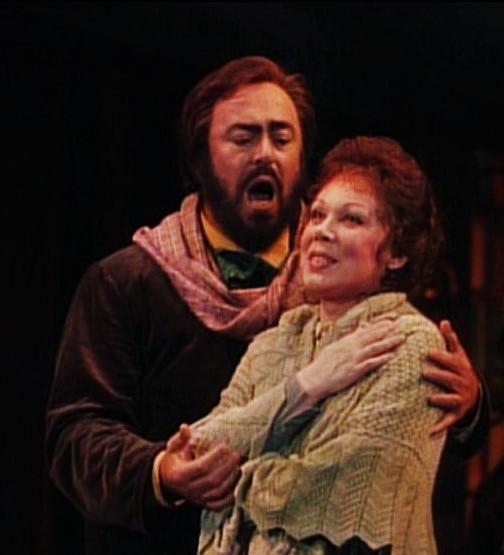Luciano Pavarotti $Rodolfo) i Mirella Freni (Mimi)