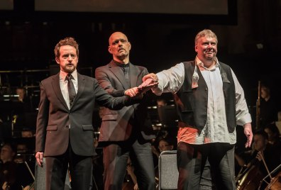 Andrew Foster-Williams (Gunther), Mats Almgren (Hagen) i Mati Turi (Siegfried). Fotografia: Clive Barda