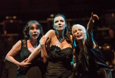 Heather Shipp (Segona Norna, Lee (Tercera Norna) i Fiona Kimm (Primera Norna). Fotografia: Clive Barda