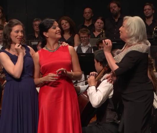 Erika Grimaldi (Alice), Roxana Constantinescu (Meg Page) i Yvonne Naef (Quickly) Verbier 2016