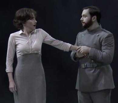 Stéphanie d'Oustrac (Béatrice) i Paul Appleby (Bénédict) Glyndebourne 2016