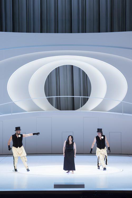 Charles Gounod/Faust Ildar Abdrazakov (Méphistophélès), Maria Agresta (Marguerite) i Piotr Beczala (Faust) Salzburg 2016 Copyright: Monika Rittershaus