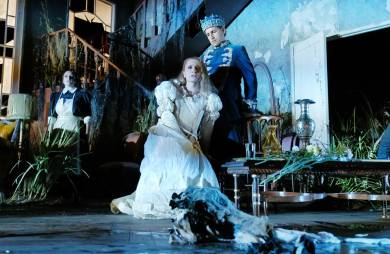 Salome Jicia (Elena) i Juan Diego Flórez (Giacomo V) a La donna del lago Producció de Damiano Michieletto ROF 2016. Fotografia Facebook ROF