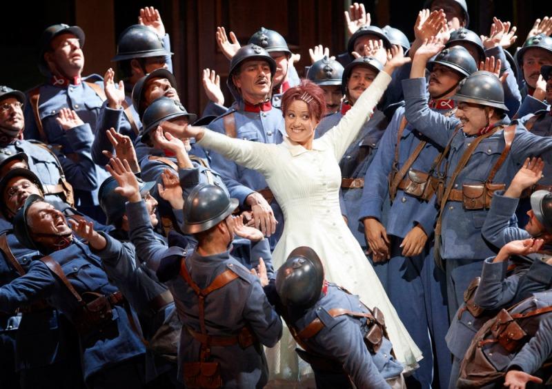 Julie Fuchs (Narie) a La Fille du Régiment Fotografia Michael Poehn Staatsoper de Viena