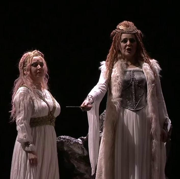 Karine Deshayes (Adalgisa) i Maria Agresta (Norma) Teatro Real 29 d'octubre de 2016