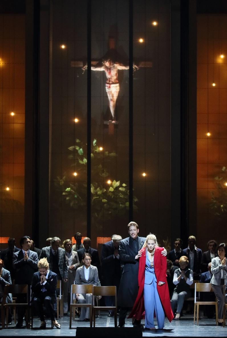 Mika Kares, Elīna Garanča, Chor der Bayerischen Staatsoper © Wilfried Hösl