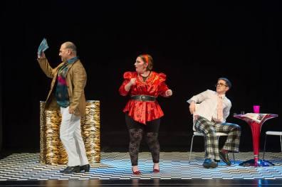 Jorge Tello, María Casado i Beñat Egiarte a Rita, producció dels AAOS direcció escènica de Eugenia Corbacho