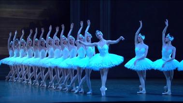 Amandine Albisson i cos de dansa de l'Opéra de Paris