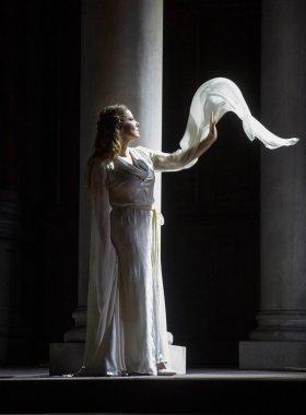 Nino Machaidze (Desdemona) Fotografia gentilesa del compte de Twitter del Teatro San Carlo