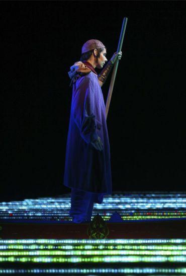 Tamara Mumford a L'amour de loin al MET. Producció de Robert Lepage.