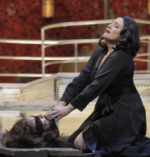 Patricia Racette com a Salome. Foto de Ken Howard/Metropolitan Opera.