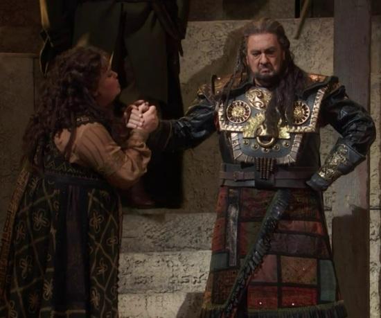 Jamie Burton (Fenena) i Plácido Domingo (Nabucco) al Metropolitan Opera House