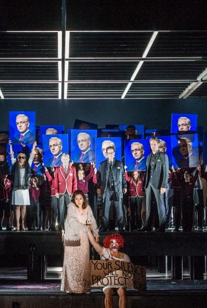 Final Tosca a Oslo, producció de Calixto Bieio Svetlana Aksenova (Tosca) i Daniel Johansson (Cavaradossi)