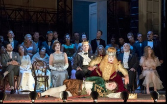 Hamlet, producció de Neil Armfield Acte 1er Fotografia de Richard Hubert Smith gentilesa del Festival de Glyndebourne