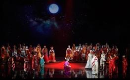 Hadrian de Rufus Wainwright i Daniel MacIvor, producció de Peter Hinton. Fotografia de Michael Cooper gentilesa de la Canadian Opera