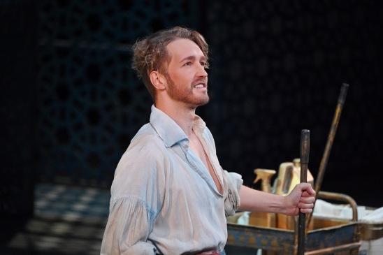 Maxim Mironov (Lindoro) Fotografia de Antoni Bofill gentilesa del Gran Teatre del Liceu