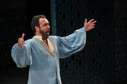 Simon Orfila (Mustafà) Fotografia de Antoni Bofill gentilesa del Gran Teatre del Liceu