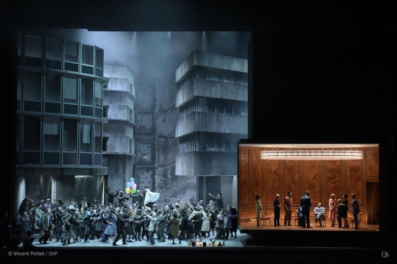 LES TROYENS LA PRISE DE TROIE - Mise en scene et scenographie : Dmitri TCHERNIAKOV l Opera Bastille - Photo : Vincent PONTET
